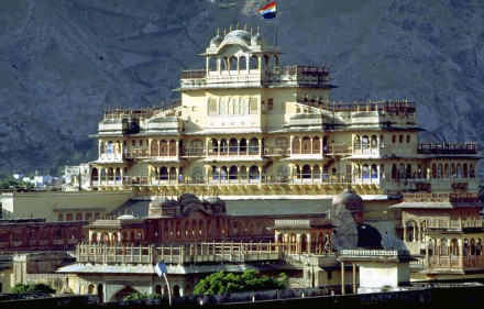 Visit the City Palace at Jaipur - Taj Voyages