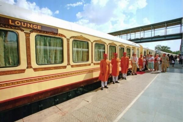 palace-on-wheels-india-Slide1